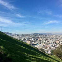 Foto scattata a Bernal Heights Park da Mari il 1/28/2017