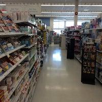 Photo taken at Shoppers Drug Mart by Steven L. on 4/11/2014