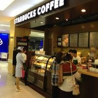 Photo taken at Starbucks by tang eng kim on 12/22/2012