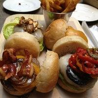Foto tomada en Smokey's Burger House por Martin B. el 3/7/2013