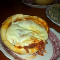 Foto scattata a Chicago Pizza and Oven Grinder Co. da Sahar A. il 11/19/2012