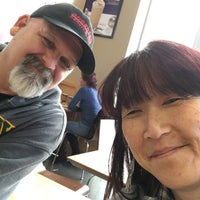 Photo taken at The Coffee Bean & Tea Leaf by Evelyn P. on 12/17/2017
