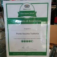 Photo prise au Trattoria Ponte Vecchio par Gianlu C. le6/21/2014