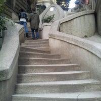 2/2/2013 tarihinde Ertugrul K.ziyaretçi tarafından Kamondo Merdivenleri'de çekilen fotoğraf
