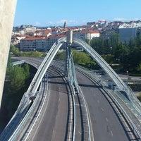 Foto tirada no(a) A Ponte do Milenio por Tania P. em 6/2/2013