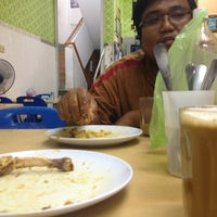 Photo taken at Yusuf Islamic Cafe by Irsyad I. on 7/16/2013