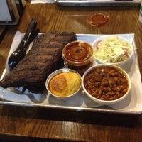 รูปภาพถ่ายที่ Smoque BBQ โดย David H. เมื่อ 10/7/2013
