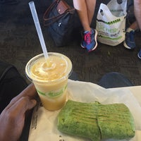 Photo taken at Fresh Healthy Cafe by Anthony C. on 7/7/2016