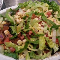 Photo taken at Chipotle Mexican Grill by Gina Gee Hyun C. on 5/30/2013