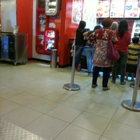Photo taken at KFC by Rizky E. on 4/27/2013