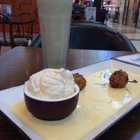 Photo taken at Chocolateria San Churro by Christin C. on 11/13/2013