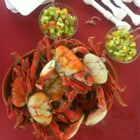 Photo taken at Abrolhos Bar e Restaurante by Rodrigues on 1/5/2013