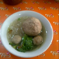 Photo taken at Mie Ayam Pak Mien by aie s. on 10/7/2012