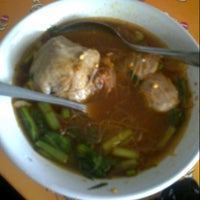 Photo taken at Mie Ayam Pak Mien by aie s. on 10/28/2012