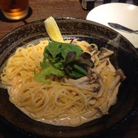 Photo taken at 魔法のパスタ by Kana I. on 8/11/2015