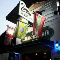 Foto tirada no(a) The Black Swan por Marcinho C. em 12/12/2012
