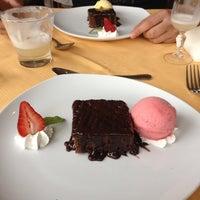 Foto tomada en Sol Restaurant por Woody G. el 7/26/2013