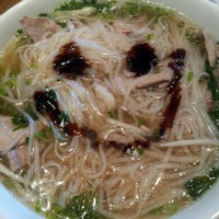 Photo taken at Pho Hoa by LAURIELYNN V. on 10/20/2012