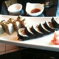 Photo prise au Sansui Sushi Bar & Grill par Tuvara K. le4/7/2013