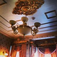 2/16/2013 tarihinde Volkan Z.ziyaretçi tarafından Darüssaade İstanbul Hotel & Cafe'de çekilen fotoğraf