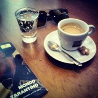 Foto diambil di Caffè Latte oleh Rafael C. pada 2/18/2013