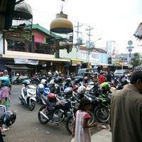Photo taken at Toko Roti dan Kue SELERA by Tony S. on 8/6/2013