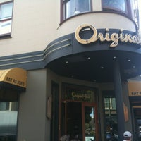 Photo prise au Original Joe's par Michael P. le2/16/2013