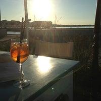 Foto scattata a Maré | cucina caffè spiaggia bottega da Stefania C. il 6/13/2013