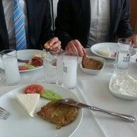 4/9/2014 tarihinde Volkan E.ziyaretçi tarafından Seçkin Restaurant'de çekilen fotoğraf