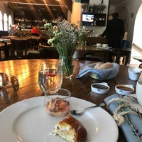 Photo taken at Restaurante Cedrón by Norma E. on 7/30/2017