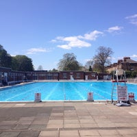 Photo prise au Brockwell Lido par Josef D. le4/18/2015
