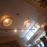 Foto scattata a Chez Dodo - Artisan Macarons & Café da Kovács 'kope' P. il 8/4/2018