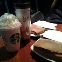 Photo taken at Starbucks Coffee by Daniel Eduardo D. on 11/20/2012