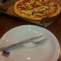 Photo taken at Domino's Pizza by Thais S. on 9/22/2014