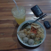 Photo taken at Bakwan Bintang Malang by Lechoy G. on 2/11/2014