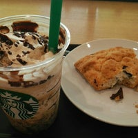 Photo taken at Starbucks by hironoie on 7/9/2015