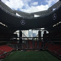 Foto tirada no(a) Mercedes-Benz Stadium por The Foodie ATL em 10/22/2017