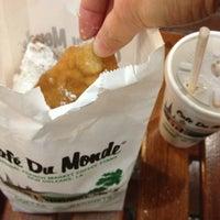 Photo taken at Café Du Monde by Dorothy H. on 3/20/2013