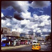 9/8/2013 tarihinde Ali B.ziyaretçi tarafından Mecidiyeköy Meydanı'de çekilen fotoğraf