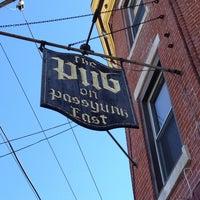 Foto tirada no(a) The Pub on Passyunk East por Mark S. em 3/9/2013