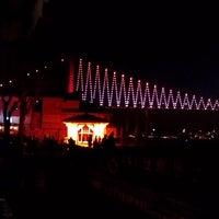 Photo taken at Tarihi Beylerbeyi Balıkçısı by Nazlıgül Ö. on 4/26/2013