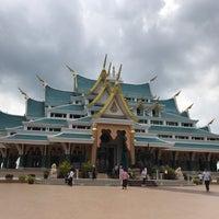 Photo taken at Wat Pa Phu Kon by Patchathep T. on 4/27/2018