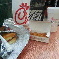 Photo taken at Chick-fil-A by Marvin L. R. on 10/22/2012