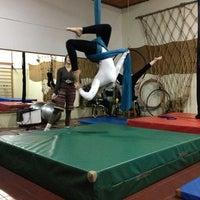 Foto tirada no(a) Porto Das Artes - Circo Dança por Geysi G. em 5/27/2013