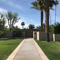 Снимок сделан в Twin Palms, Frank Sinatra House пользователем Oisin L. 4/23/2017