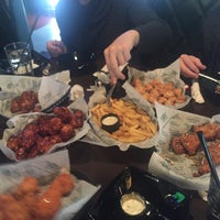 Снимок сделан в Buffalo's - Wings and Nuggets пользователем Артур Н. 11/21/2015