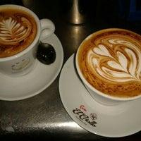 12/1/2013 tarihinde Rafa G.ziyaretçi tarafından Café Buenos Aires'de çekilen fotoğraf