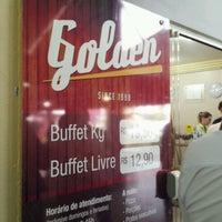 Foto tirada no(a) Restaurante Golden Grill por Ricardo M. em 9/25/2012