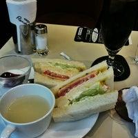 Photo taken at 喫茶室ルノアール 神田北口駅前店 by ぴこ ち. on 8/9/2014