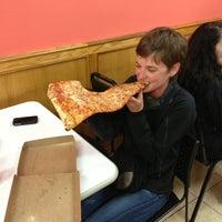 Foto diambil di Jumbo Slice Pizza oleh Rick T. pada 5/9/2013